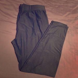 💥3/20 Maurices XL super soft black leggings